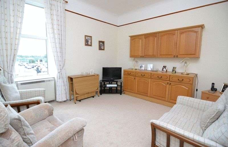 2 Bedrooms Flat for sale in Bridgend, Kilbirnie