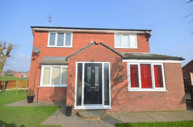 3 Bedrooms Detached House for sale in 1 Flexbury Avenue, Morley, Leeds, LS27 0RG