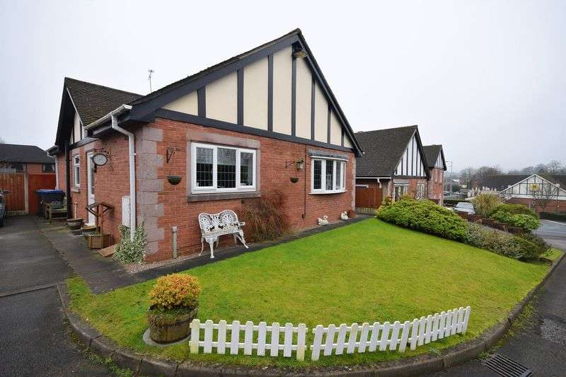 2 Bedrooms Detached Bungalow for sale in Hampton Court, Leek