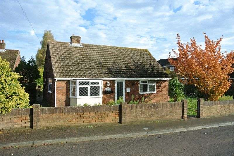 2 Bedrooms Detached Bungalow for sale in Northwall Road, Deal