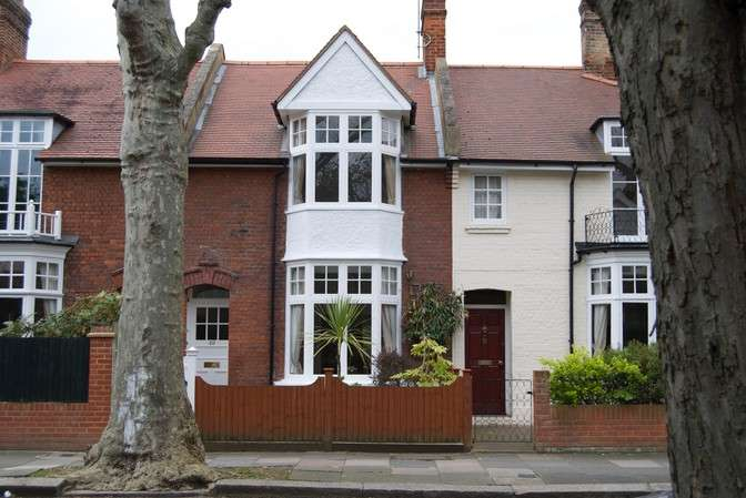 3 Bedrooms Terraced House for sale in Woodstock Road, Chiswick