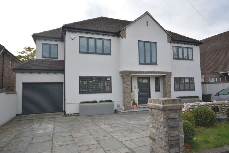 5 Bedrooms Detached House for sale in Ayloffs Walk, Emerson Park, Hornchurch, Essex RM11