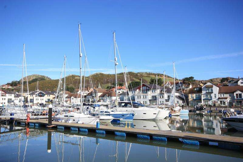 3 Bedrooms Ground Flat for sale in Deganwy Quay, Deganwy LL31
