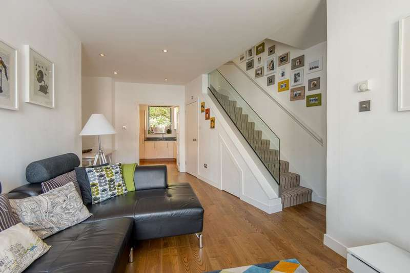 4 Bedrooms Semi Detached House for sale in Stamford Road, Hackney, London N1