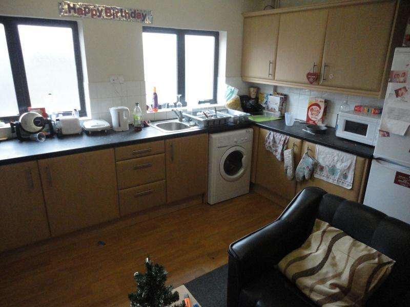 6 Bedrooms Flat for rent in 132C North Sherwood Street