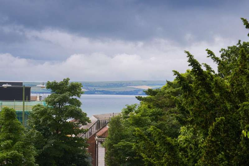 3 Bedrooms Apartment Flat for sale in The Pinnacle, 57 St Peters Road, Bournemouth BH1