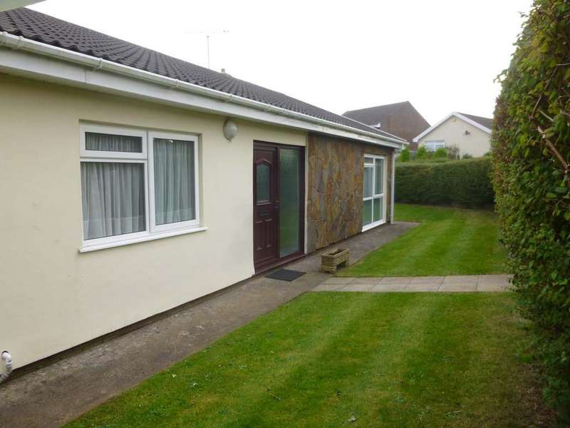 3 Bedrooms Detached Bungalow for sale in Fitzhammon Road, Porthcawl CF36
