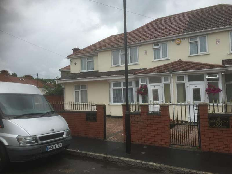 4 Bedrooms Semi Detached House for sale in Raleigh Road, Southall UB2