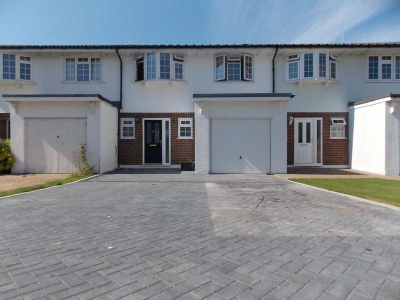 3 Bedrooms Terraced House for sale in Seaford