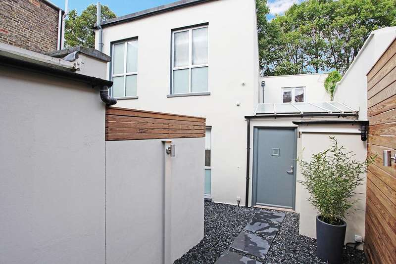 6 Bedrooms Detached House for sale in Summerley Street, London SW18