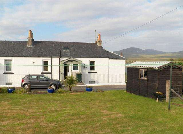 3 Bedrooms Flat for sale in 17 Caol Ila, Port Askaig, Isle of Islay, PA46 7RJ