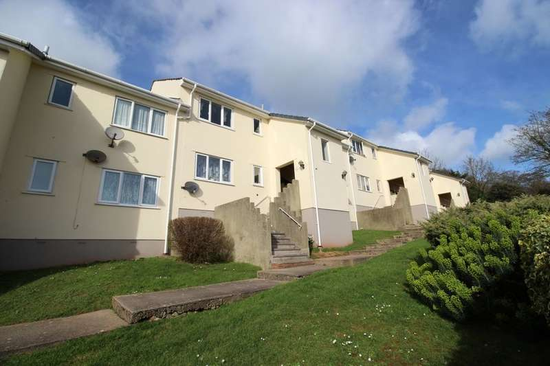 2 Bedrooms Flat for sale in Haslam Road, Torquay, TQ1