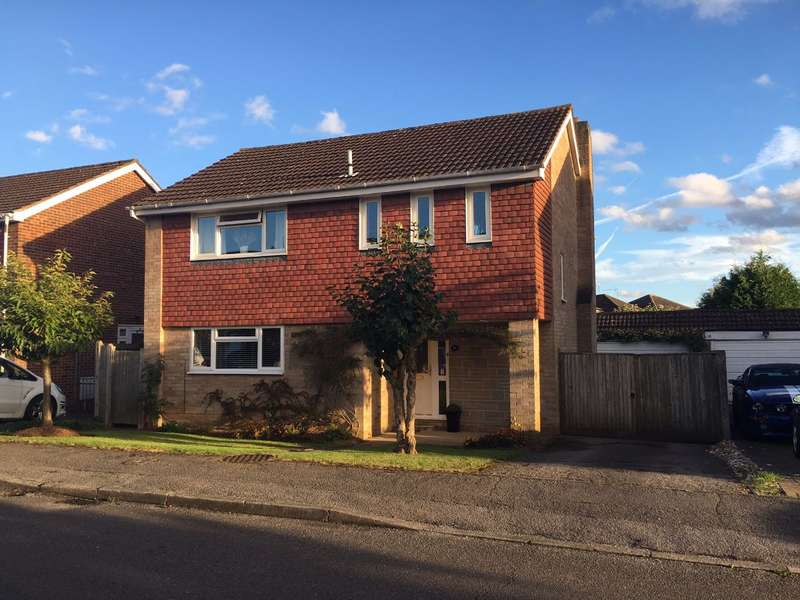 4 Bedrooms Detached House for sale in Balmoral, Maidenhead, Berks