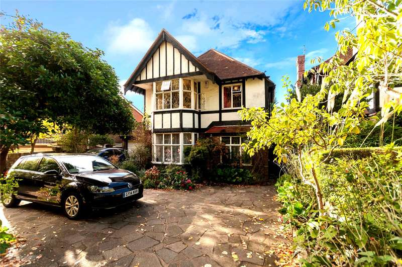 4 Bedrooms Detached House for sale in Woodland Drive, Hove, East Sussex, BN3