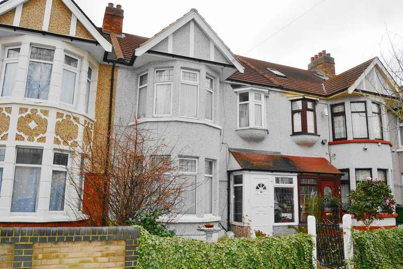 3 Bedrooms Terraced House for sale in Kenwood Gardens, Redbridge IG2