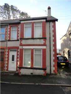 3 Bedrooms Semi Detached House for sale in Penrallt, Llangefni, Isle of Anglesey LL77