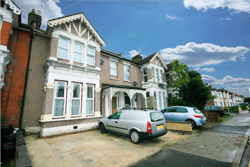2 Bedrooms Flat for sale in Wellesley Road, Ilford IG1