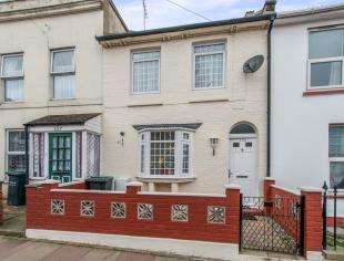 3 Bedrooms Terraced House for sale in Wellington Street, Gravesend, Kent, Gravesend