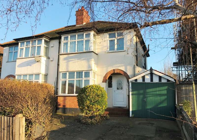 4 Bedrooms Semi Detached House for sale in Tolworth