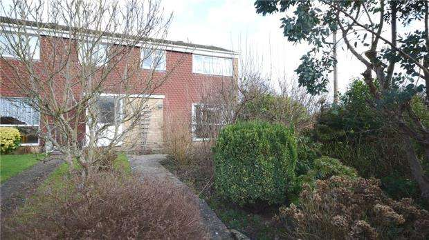 3 Bedrooms Semi Detached House for sale in St. Peters Park, Aldershot, Hampshire
