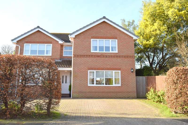 4 Bedrooms Detached House for sale in Woodland Grove, Bembridge, Isle of Wight, PO35 5SG