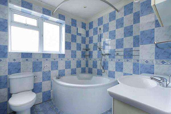 4 Bedrooms Terraced House for sale in Verdant Lane, Catford, London SE6