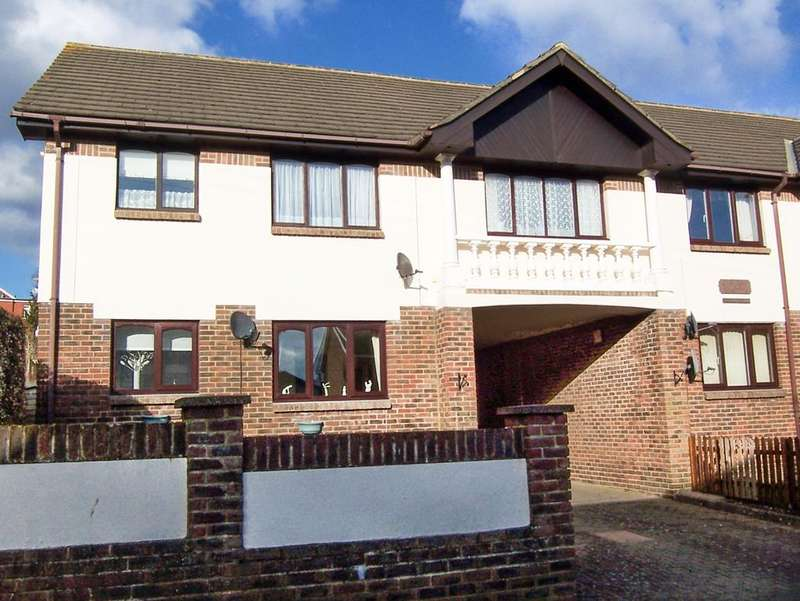2 Bedrooms Flat for sale in Coach House Mews, Avenue Road, Shanklin PO37
