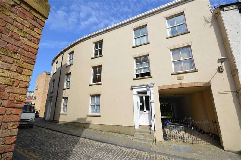 2 Bedrooms Flat for sale in Norman Court, Scarborough