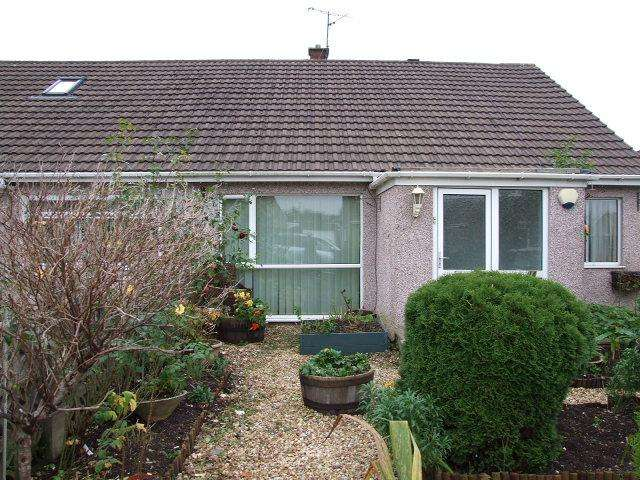 2 Bedrooms Bungalow for sale in 14 Bramblewood Close, Baglan, Port Talbot