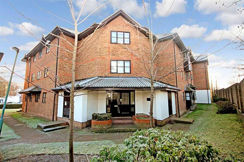 2 Bedrooms Flat for sale in Hardwick Crescent, Dartford