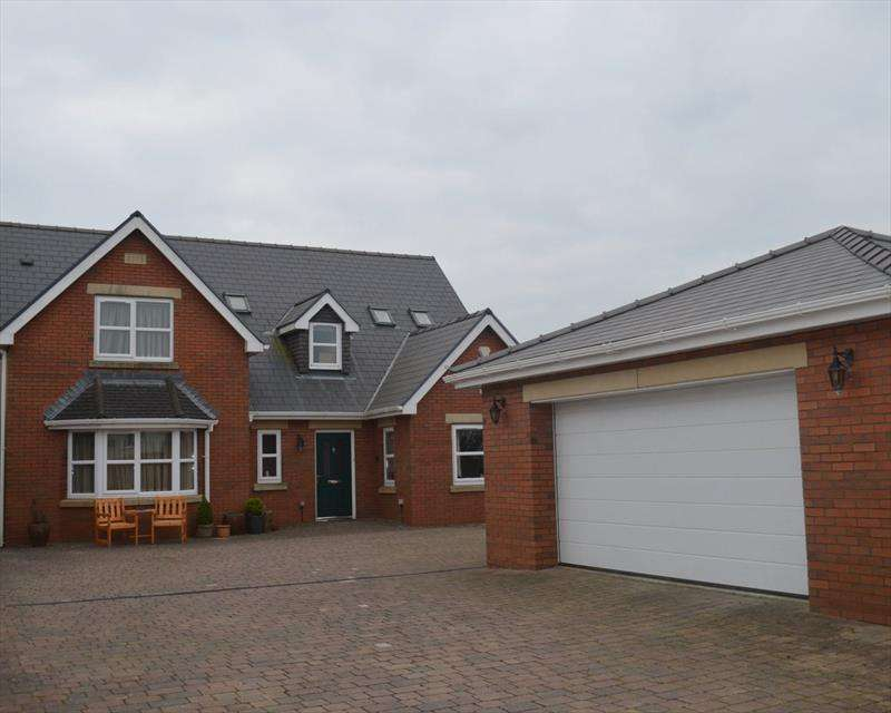 4 Bedrooms Detached House for sale in Chapel Road,Three Crosses,Swansea