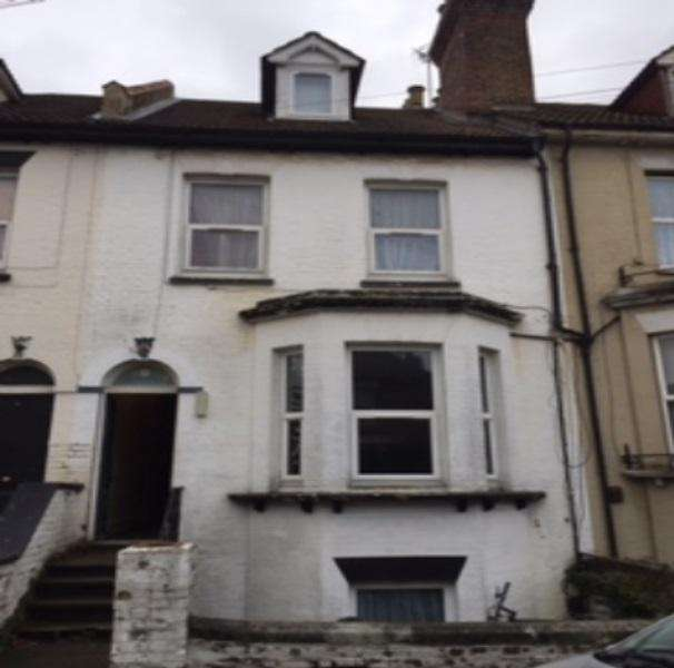 6 Bedrooms Town House for sale in St Marys Road, Strood ME2