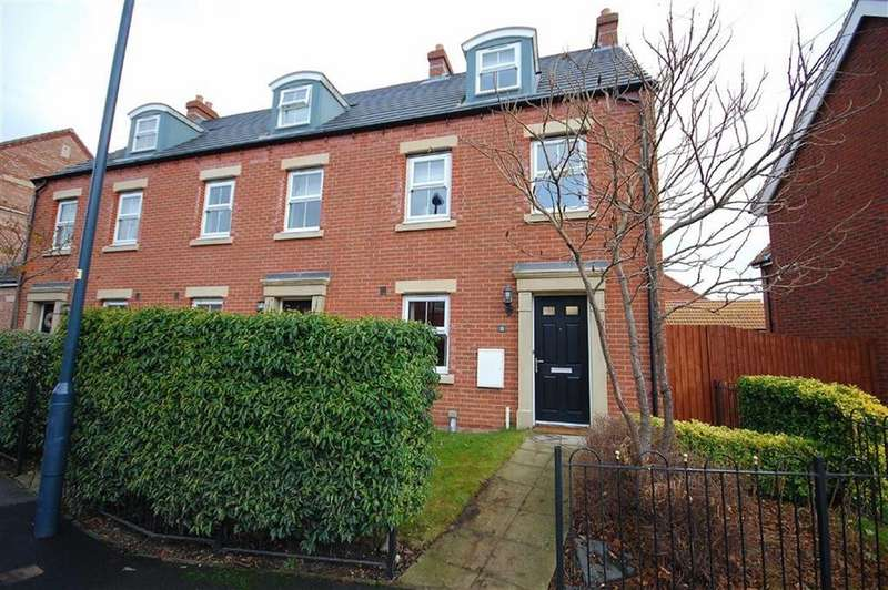 3 Bedrooms Town House for sale in Moorland Road, Sherburn In Elmet, Leeds, LS25