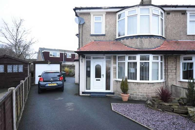 3 Bedrooms Semi Detached House for sale in St Matthews Road, Bradford