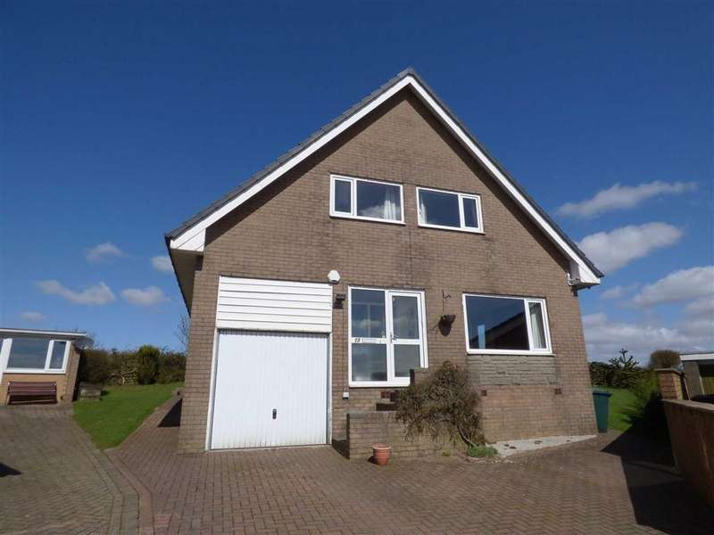 5 Bedrooms Detached House for sale in Bankside Close, Bacup, Lancashire, OL13