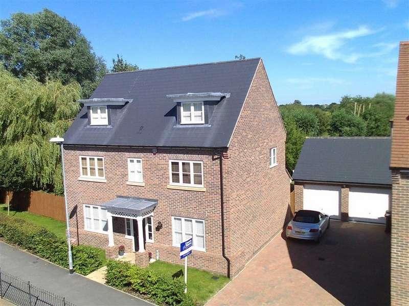 5 Bedrooms Detached House for sale in Rennie Walk, Heybridge, Essex