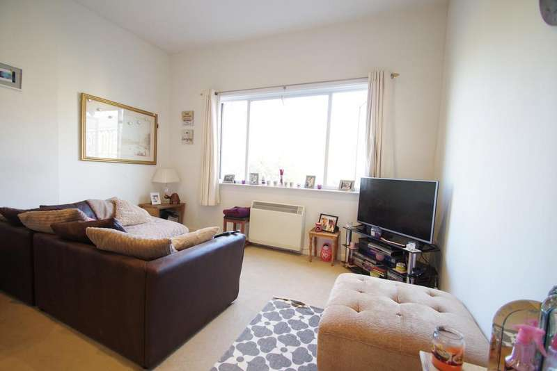 1 Bedroom Flat for sale in 53 High Street, Shanklin PO37