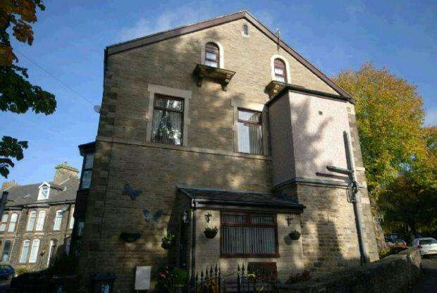 4 Bedrooms End Of Terrace House for sale in Clifton Bank, Buxton