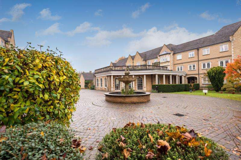1 Bedroom Retirement Property for sale in The Cloisters, Pegasus Grange, White House Road, Oxford