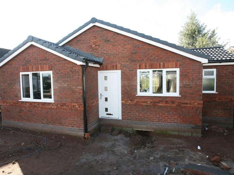 2 Bedrooms Detached Bungalow for sale in 14 Brindley Bank Road, Rugeley, WS15 2EY