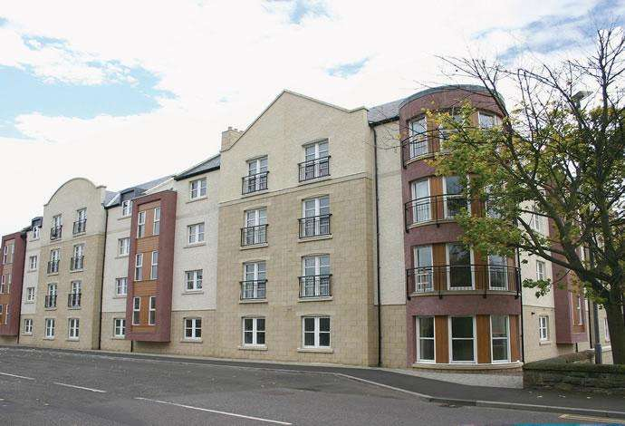 2 Bedrooms Flat for sale in 8 Hendersons Court, Kelso, TD5 7BG