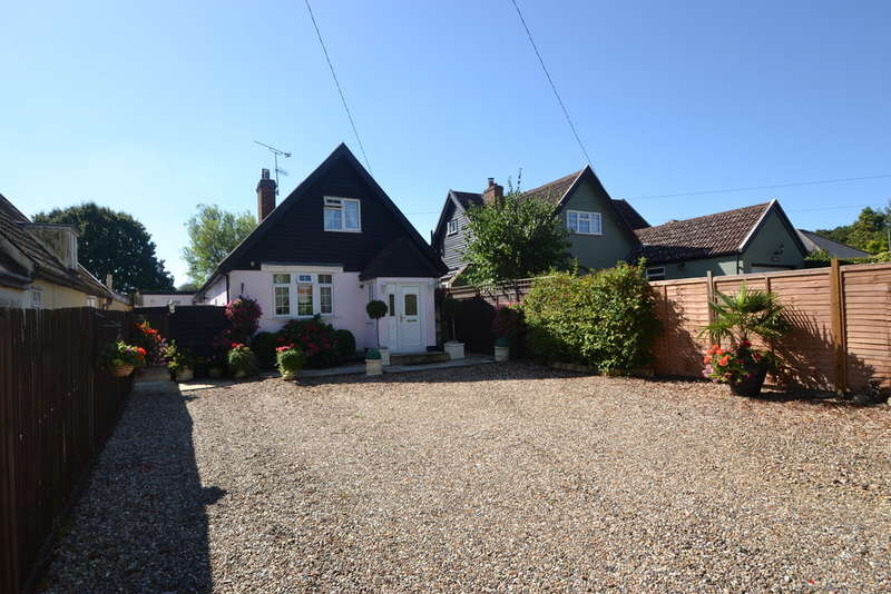 3 Bedrooms Chalet House for sale in The Street, Takeley