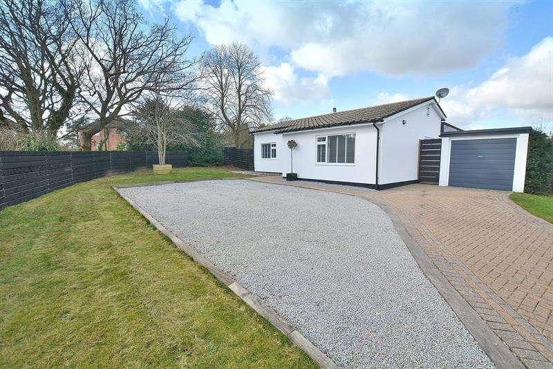 3 Bedrooms Bungalow for sale in Sopwith Crescent, Merley, Wimborne