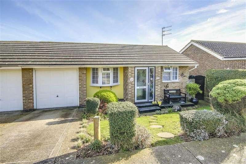 3 Bedrooms Semi Detached House for sale in Hawth Park Road, Seaford