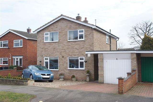 4 Bedrooms Detached House for sale in Tollgate Close, Bromham
