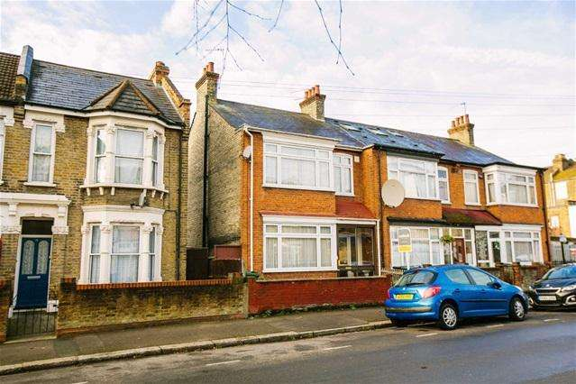 3 Bedrooms House for sale in Shortlands Road, Leyton