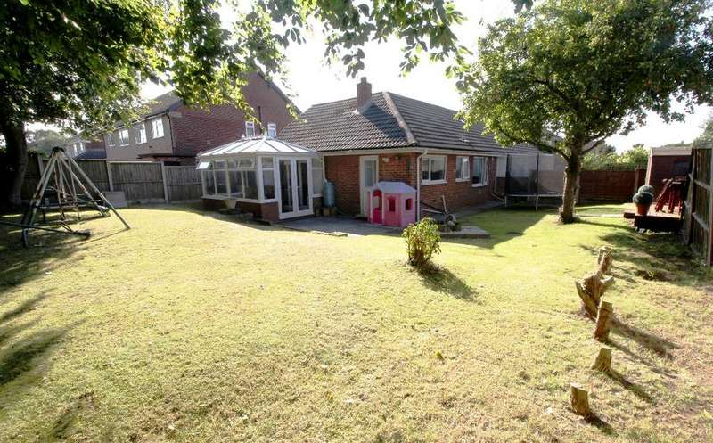 2 Bedrooms Bungalow for sale in Coppull Road