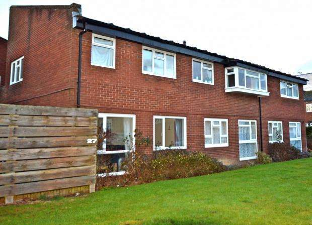 1 Bedroom Maisonette Flat for sale in Waterfields, Leatherhead, KT22