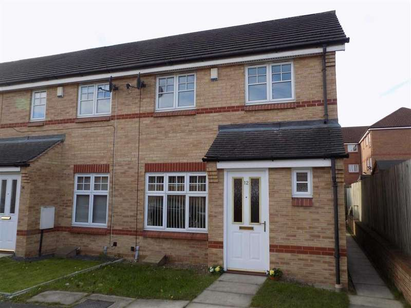 3 Bedrooms Town House for sale in Mill Chase Close, WAKEFIELD, WF2