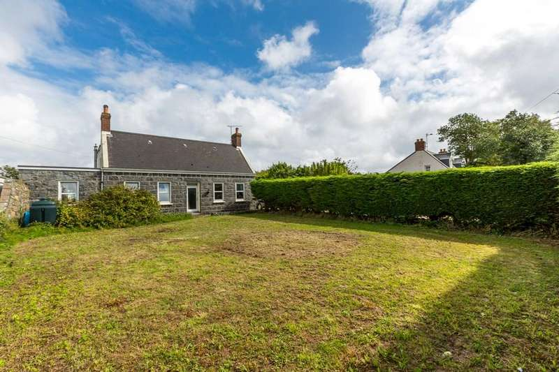 4 Bedrooms Cottage House for sale in La Grande Rue, Vale, Guernsey